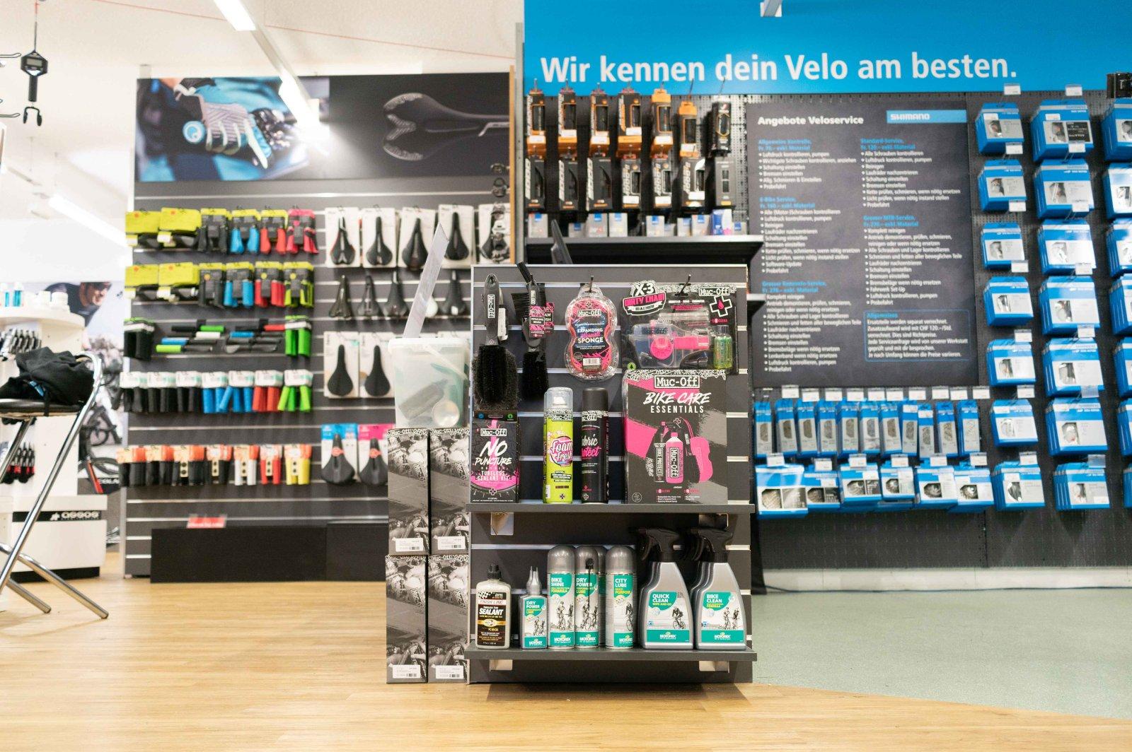 Bauer Sport Ausstellung Zubehör